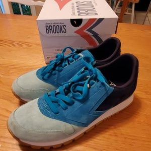 Brooks chariot sneakers